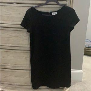Lou & Grey Causal Black Shift Dress